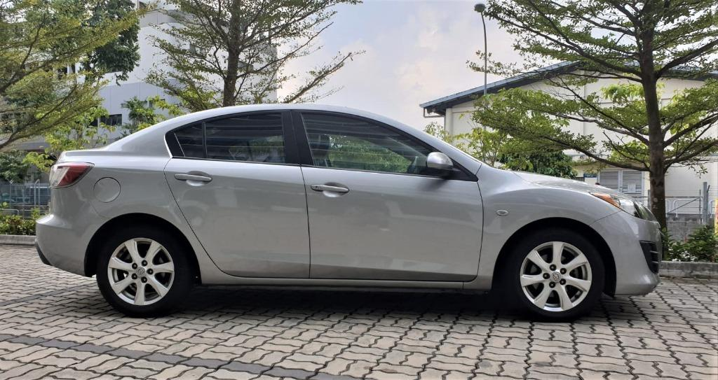 Mazda 3 1.6A HAPPY MONDAY JUST IN!! Most Fuel Eficient & Spacious. Cheapest rental in town with just $500 Deposit driveoff immediately. Whatsapp 8188 8616 now to reserve!