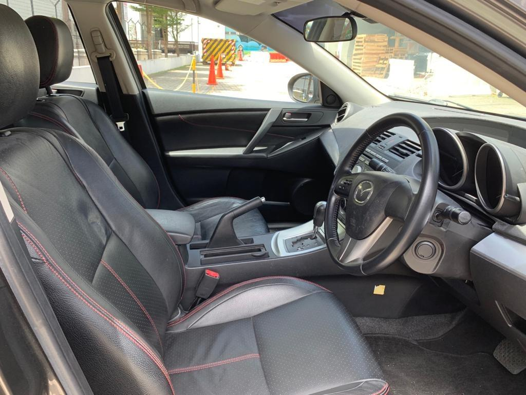 Mazda 3 HAPPY MONDAY!! JUST IN with the most Fuel Eficient & Spacious car. Cheapest rental in town with just $500 Deposit driveoff immediately. Whatsapp 8188 8616 now to reserve!