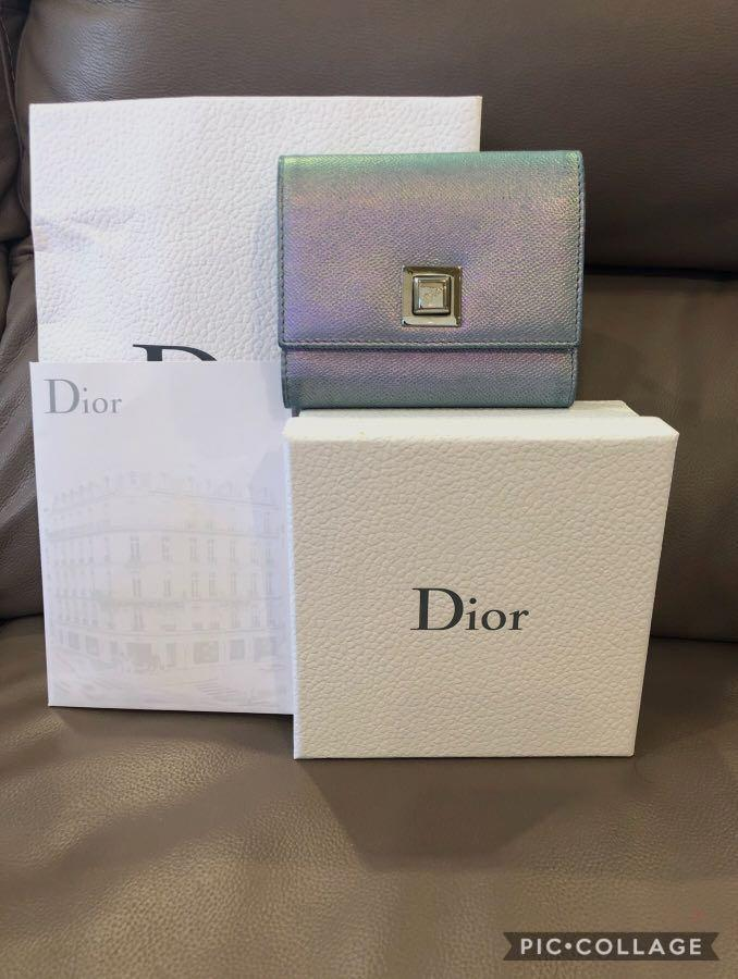 😀My loss, your gain at $380 only😀In good condition❣️💖Christian Dior wallet💖❣️(refer to photos) With local receipt, box & paper bag✌🏻