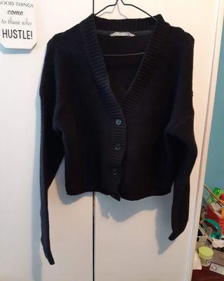 Black cropped knit sweater