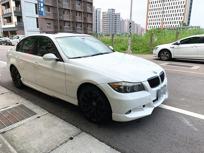 2005 BMW 320I 2.0 白  FB粉專:二手車教主-可可.