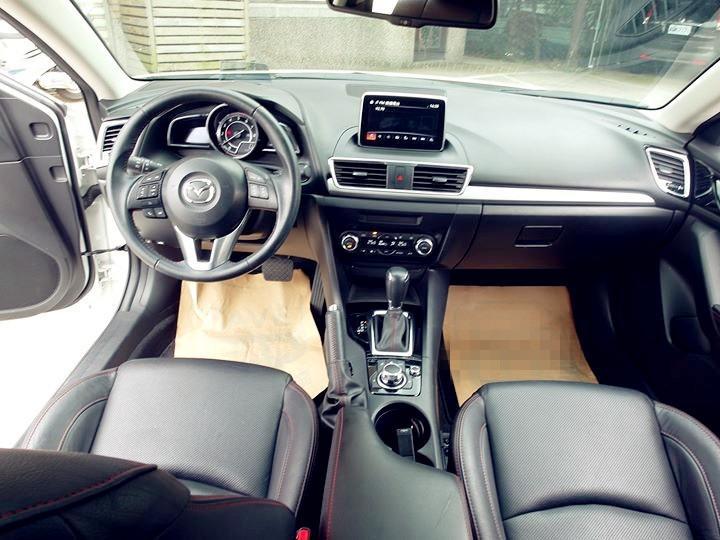 2015/Mazda/馬自達3/2.0cc/白