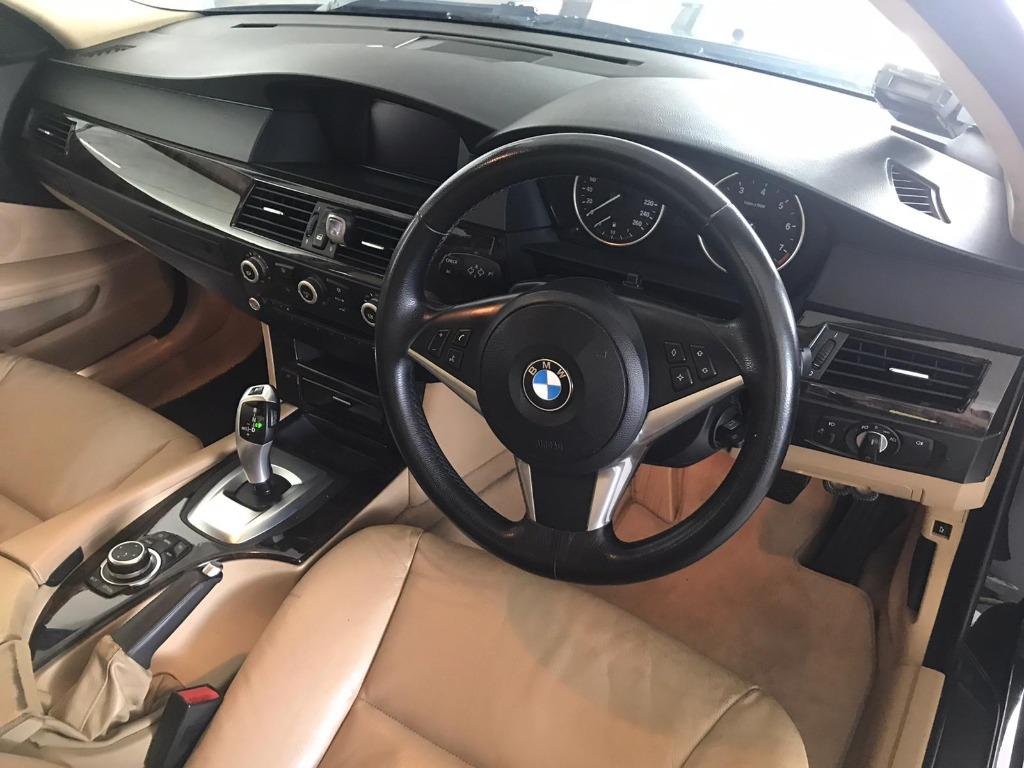 BMW 525i XL HAPPY TUESDAY!! Best thing comes in pairs. Get your family, relative, friends to rent together to enjoy further discounts with 2 free days rental!! Superb Condition just $500 Deposit driveoff immediately. Whatsapp 8188 8616 now!