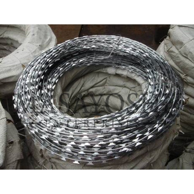Cyclone Wire / Barbed Wire