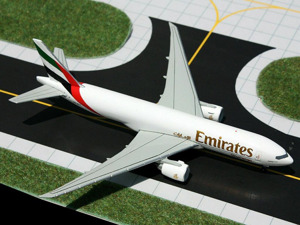 Gemini Jets Emirates Sky Cargo Boeing 777F 1:400 Scale GJUAE1286
