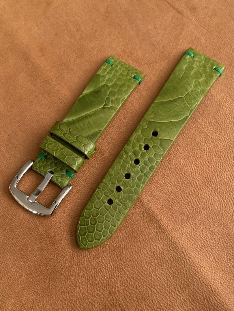 22mm/20mm Olive Emerald Green Ostrich Leg Watch Strap 22mm@lug/20mm@buckle (only 1 of, once sold no more🙏🏻👍🏻) 22mm/20mm     Standard length: L-120mm,S-75mm