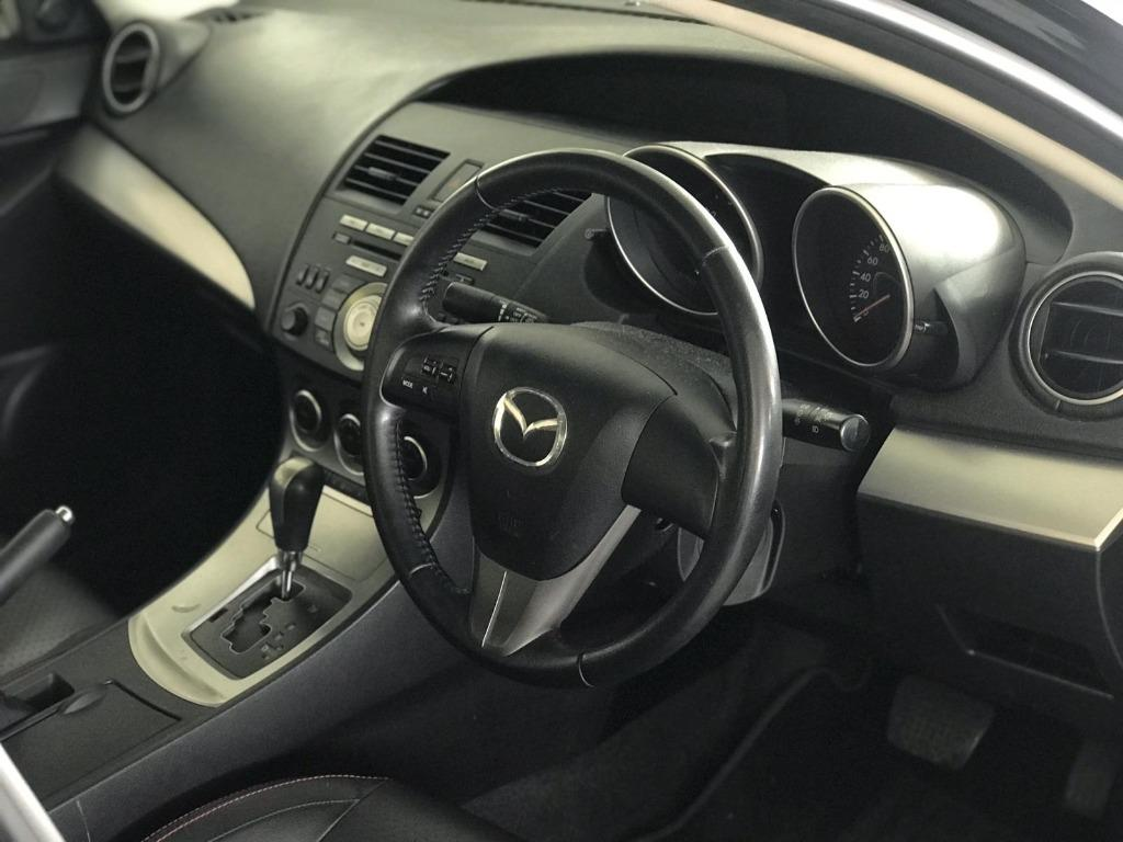 Mazda 3 HAPPY TUESDAY!! Best thing comes in pairs. Get your family, relative, friends to rent together to enjoy further discounts with 2 free days rental!! $500 Deposit driveoff immediately. Whatsapp 8188 8616 now!
