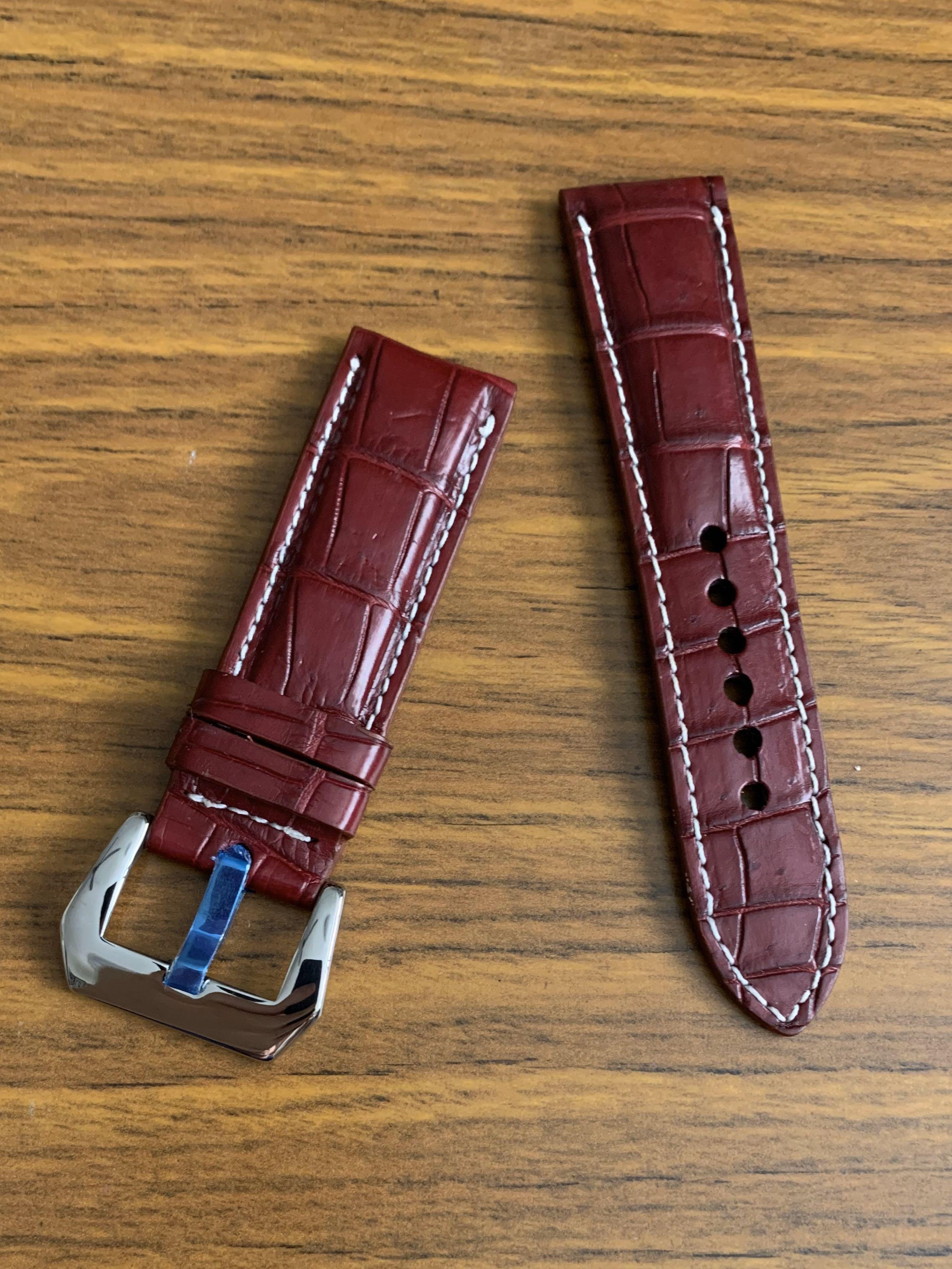 24mm/22mm Authentic Classy Oxblood Burgundy Brown Alligator 🐊  Crocodile Watch Strap with White Stitching (Standard length: L-120mm, S-75mm) (only one piece, once sold no more! 😊👍🏻)