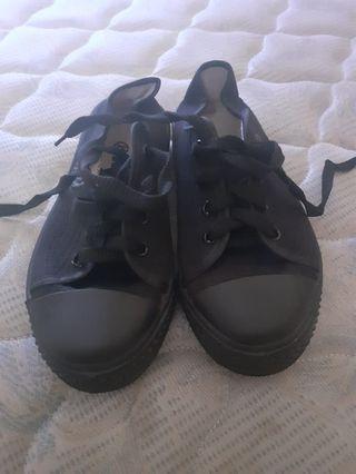 Sepatu NB anak hitam