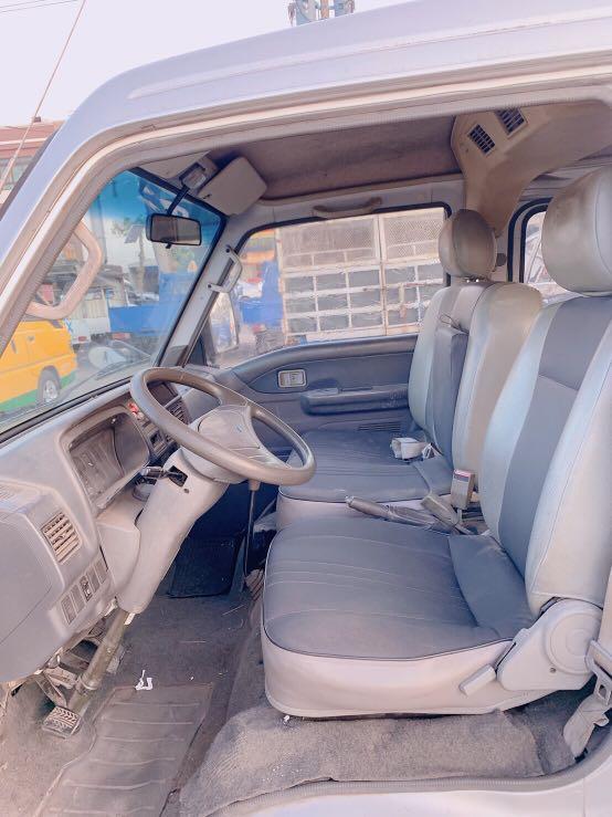 2006年載卡多2.0cc風尚車