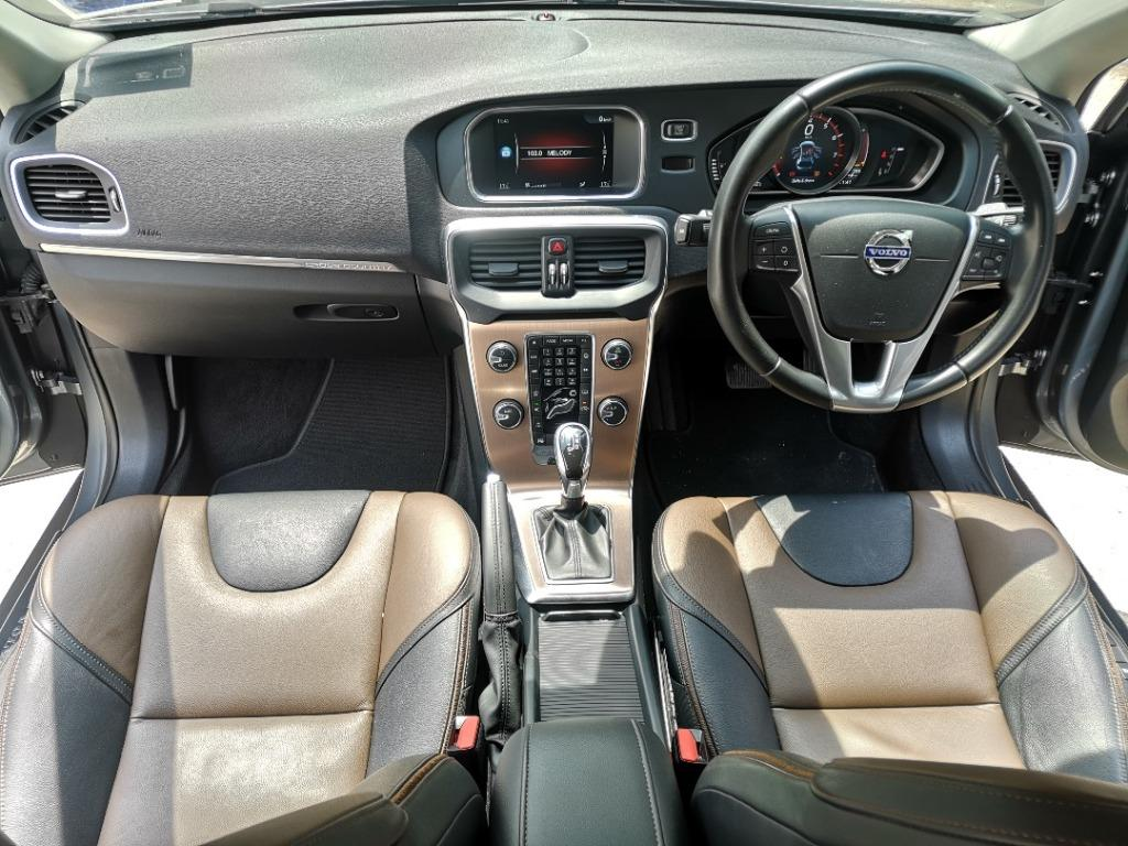 2015 Volvo V40 2.0 T5 CROSS COUNTRY [LIKE NEW][1 OWNER][FULL SERVICE RECORD] ACTUAL YEAR MAKE 2015