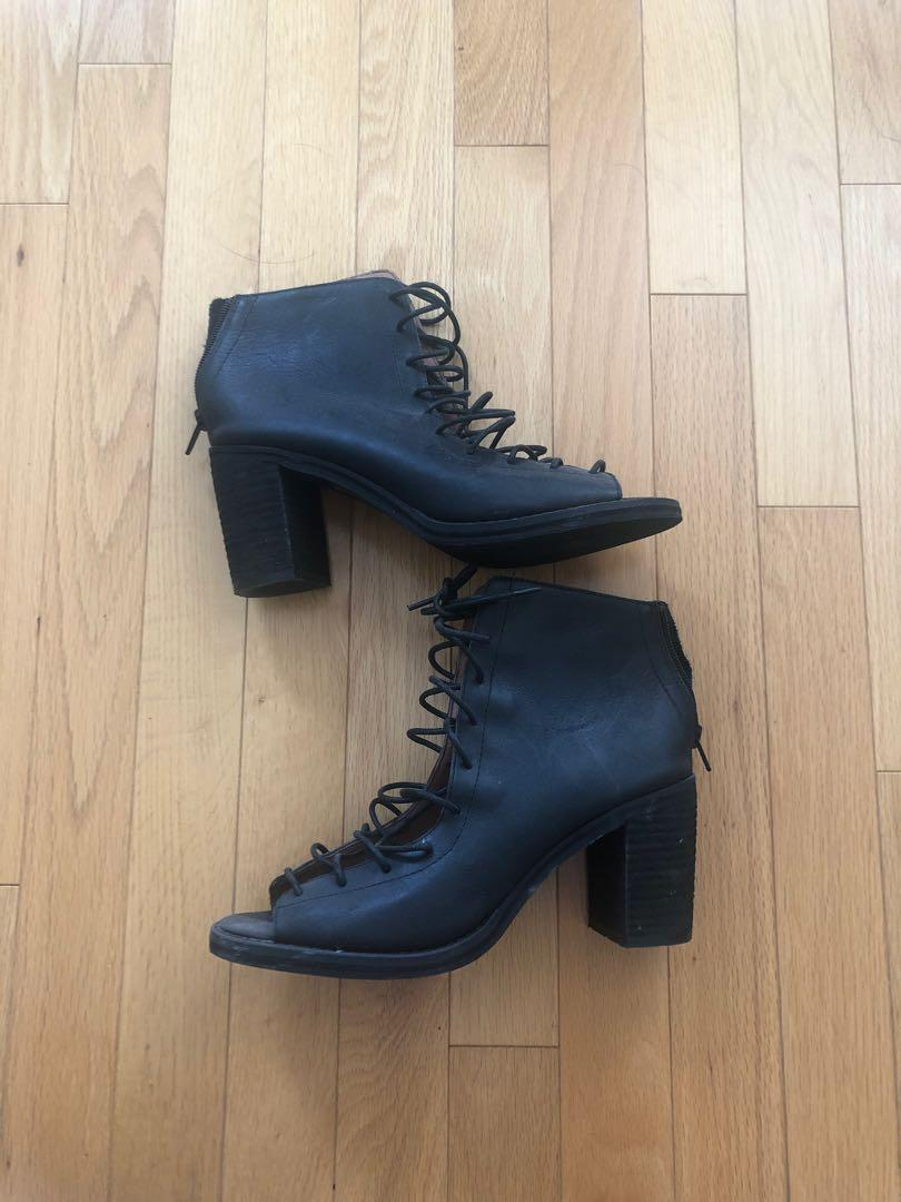 Jeffrey Campbell size 8.5 lace up booties sandal heel