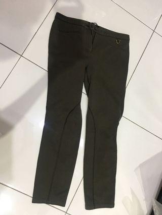 Celana panjang olive