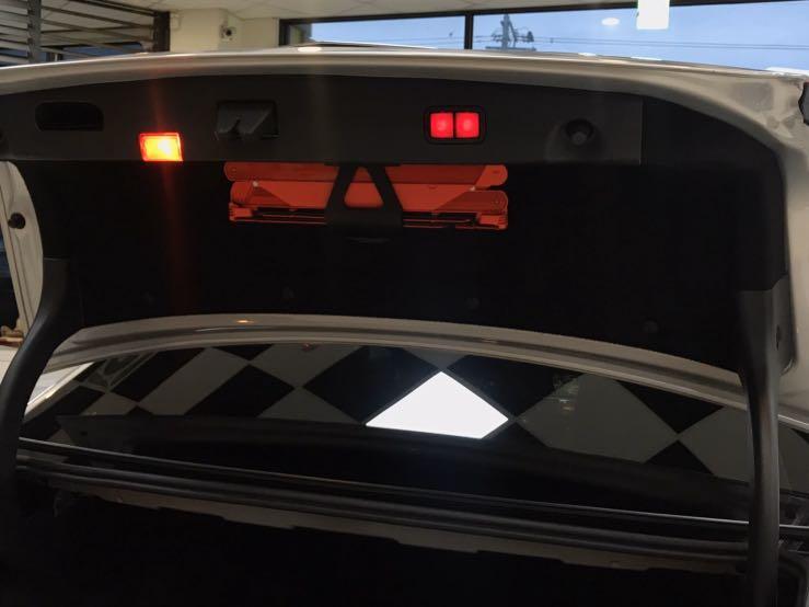 #E300柴電 BENZ 2013-14年 總代理