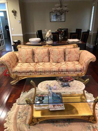 WHOLE SET elegant sofa in excellent condition