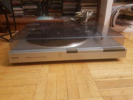 Phillips fp140 Automatic turntable record player working