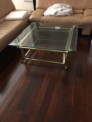 Sitting room glass table