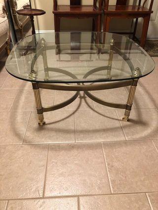 Sitting room glass tea table