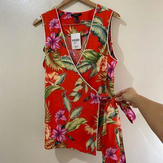 Forever 21 Floral sleeveless wrap top vest