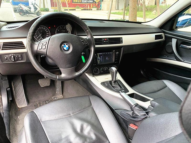 2005 BMW 320 2.0 白 配合全額貸、找 錢超額貸 FB搜尋 : 『阿文の圓夢車坊』