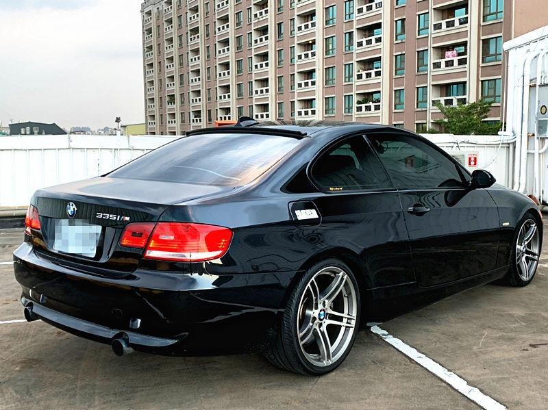 2009 BMW 335I 3.0 黑 配合全額貸、找 錢超額貸 FB搜尋 : 『阿文の圓夢車坊』