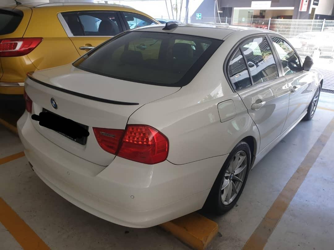 bmw e90  full spec (SG CAR COMPLETE DOCUMENT, HALAL UNTUK KEGUNAAN DI JALAN RAYA NALAYSIA)