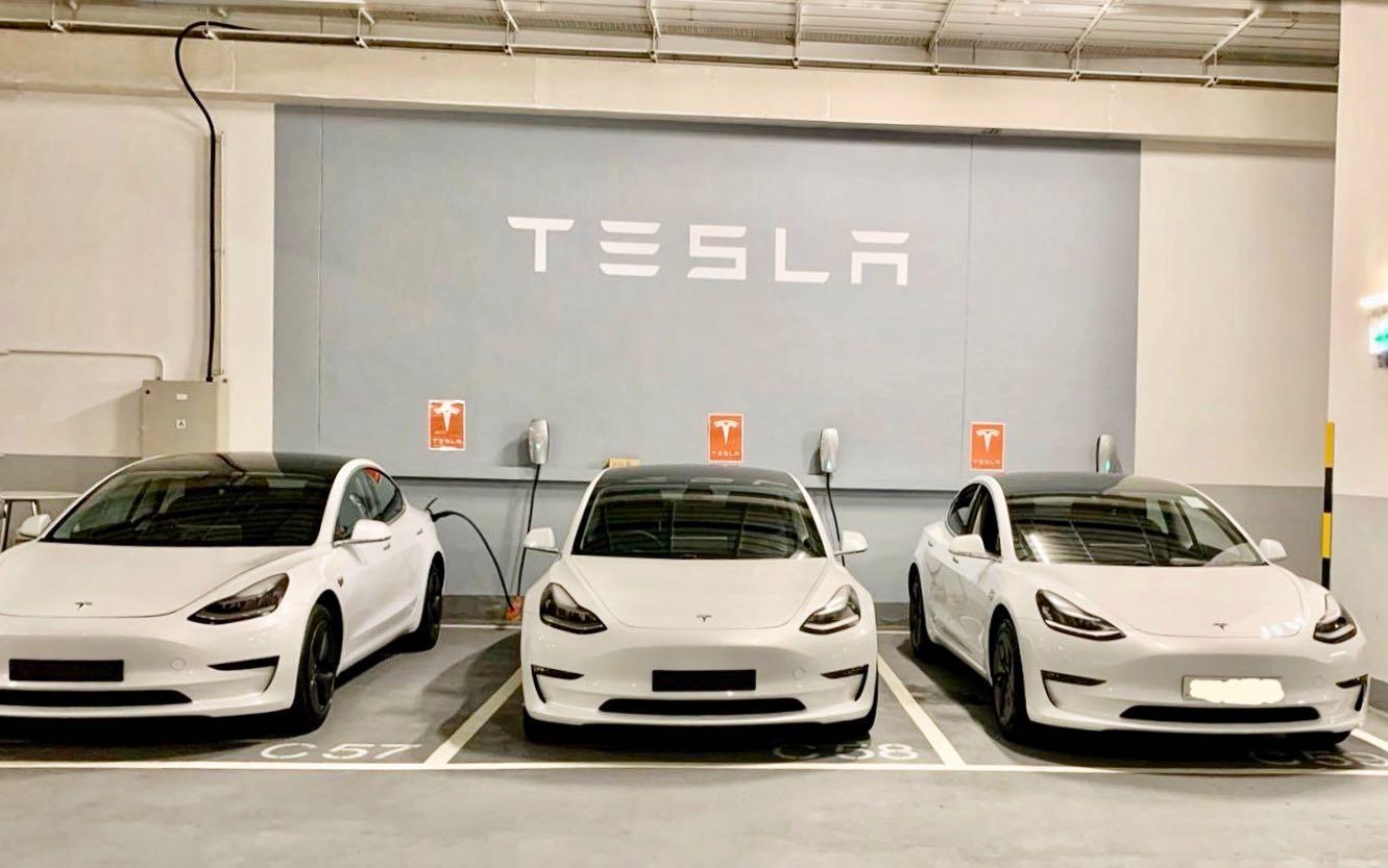 Tesla Model 3 Model 3 Auto