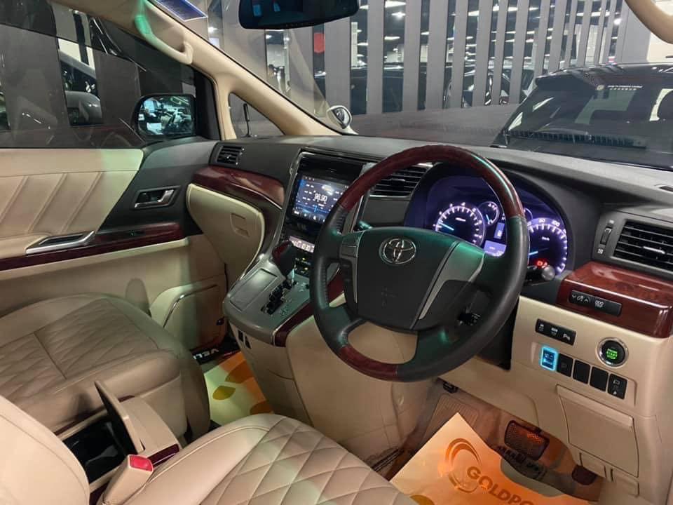 Toyota Vellfire 3.5 ZG Auto