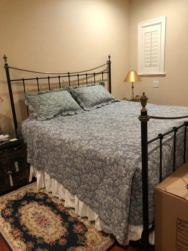 (WHOLE SET)  King size bed with Mattress and Cover