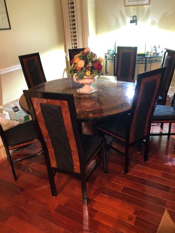 WHOLE SET Shiny wooden round dinning table W/ 8 chairs