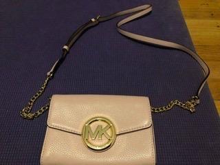 Michael Kors Medium Logo and Convertible Crossbody Bag—- Soft Pink