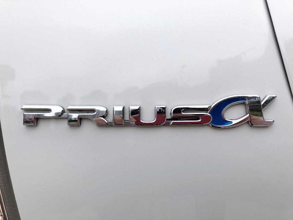 Toyota    PRIUS V HYBRID 1.8   2014 Auto