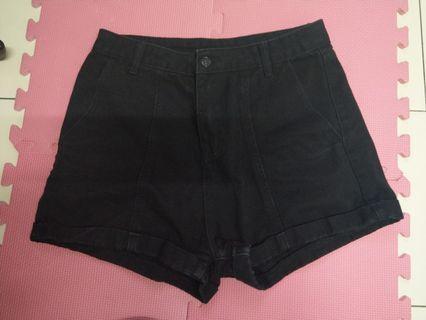 黑色 高腰 短褲