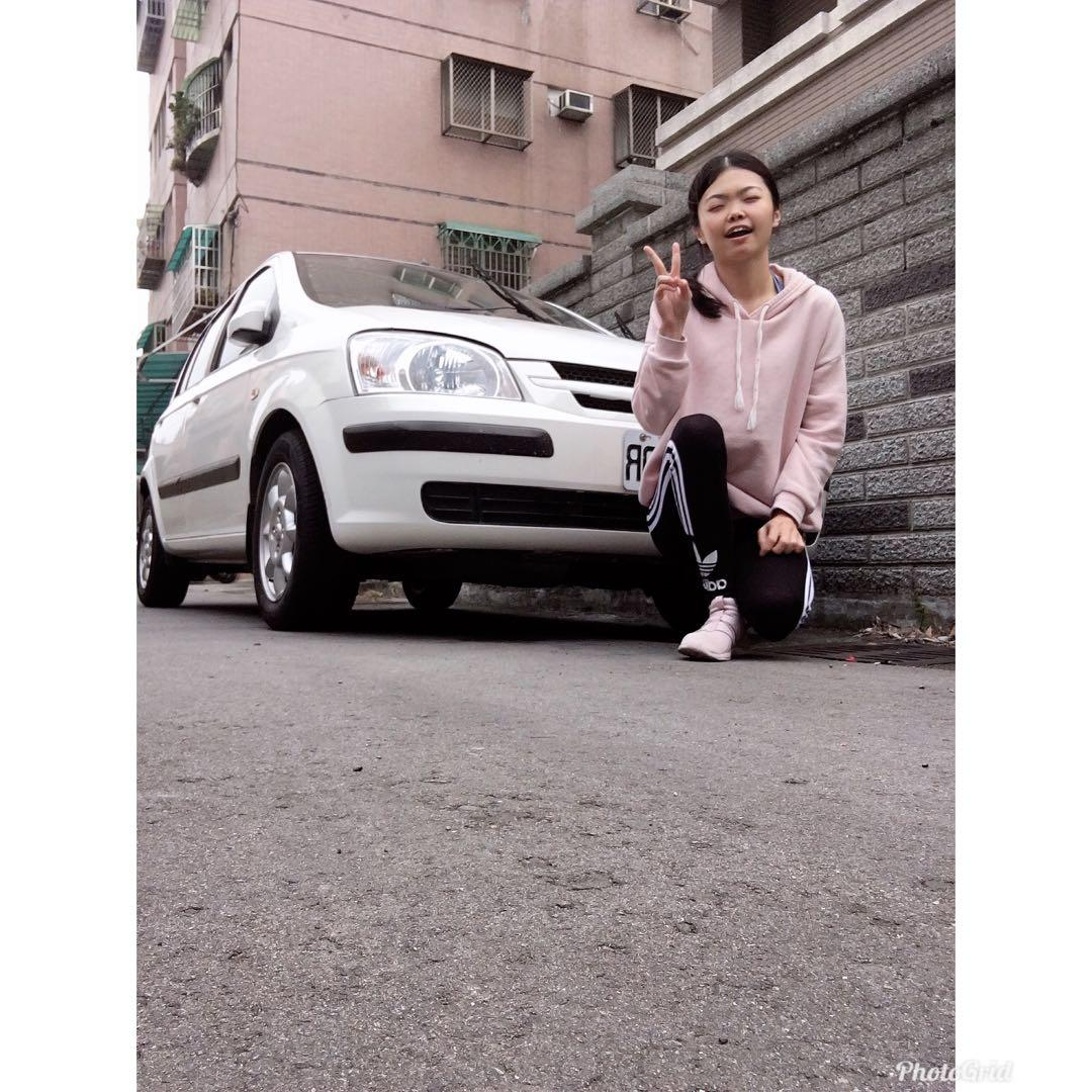 女用 現代汽車 白色 五門