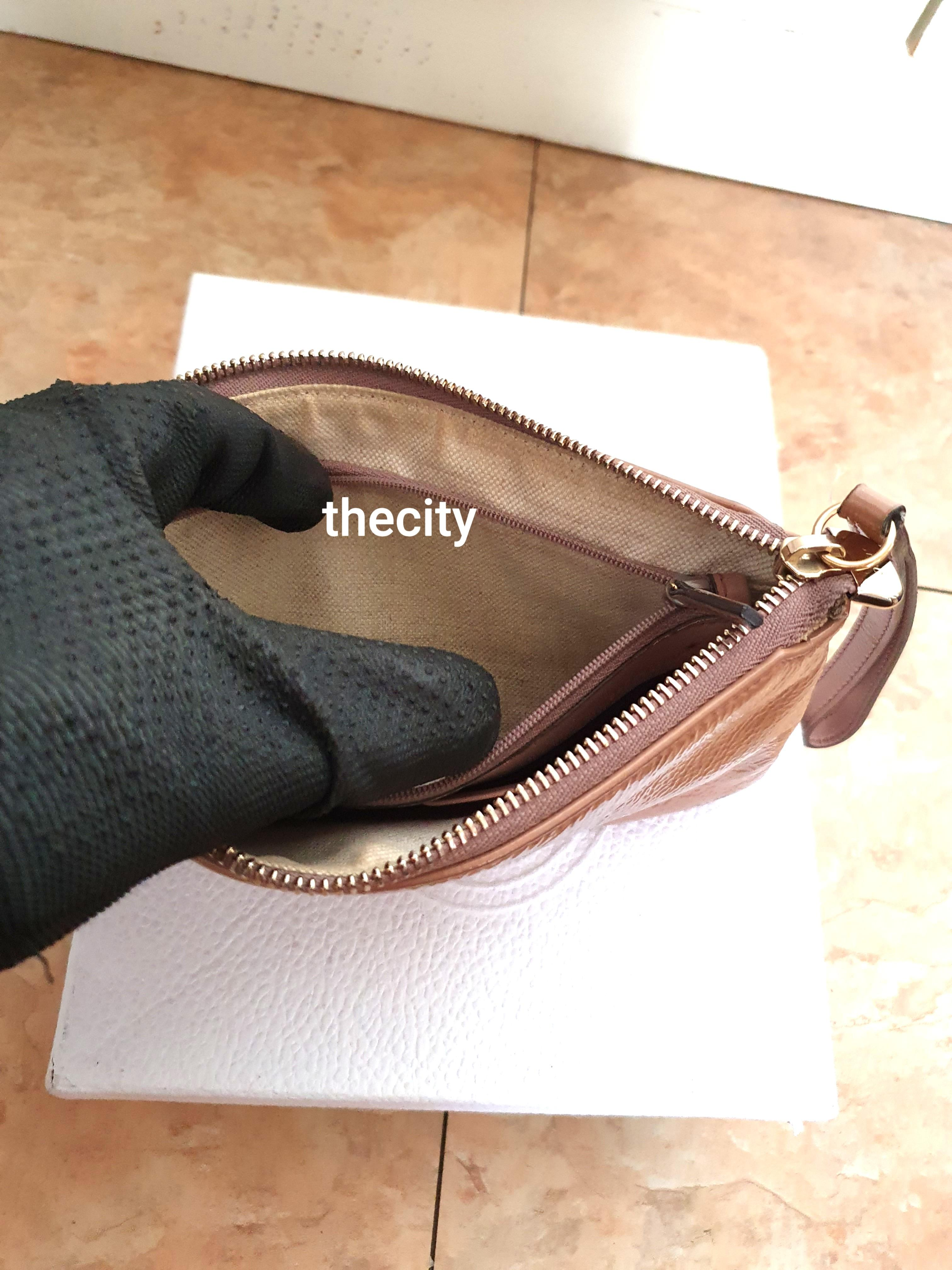 AUTHENTIC GUCCI GG LOGO SOHO PATENT LEATHER WRISTLET- DIRT ON 1 CORNER - (BOUGHT AROUND RM 2000+)