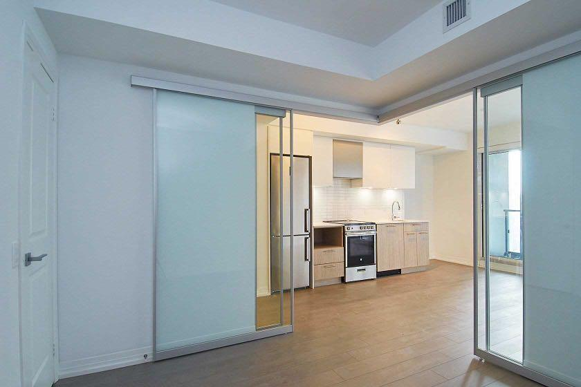 New and Bright Ryerson central 1Bed + 1Bath Condo Lease!