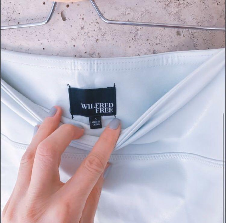 NWT Aritzia Wilfred Vegan Leather Skirt Size Small