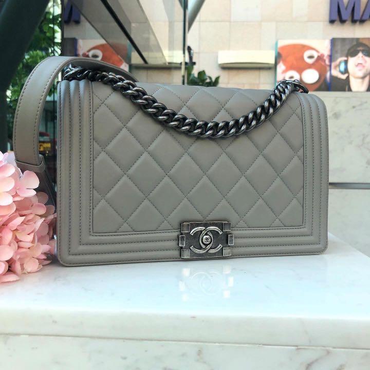 💙Super Good Deal!💙 Rare Grey Lambskin Chanel! Chanel 28cm New Medium Le Boy in Grey Lambskin RHW