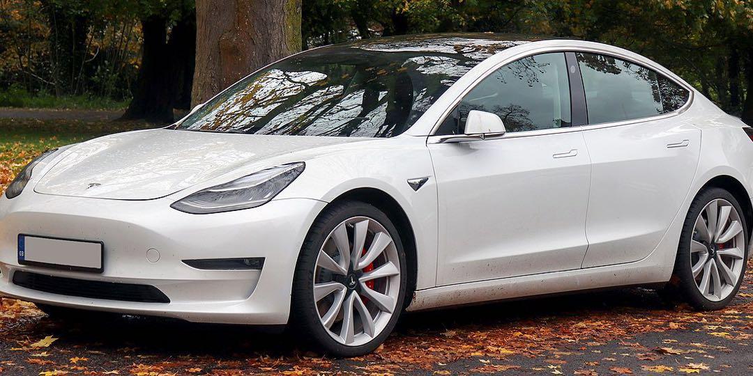 Tesla Model 3 全新未取車 Auto