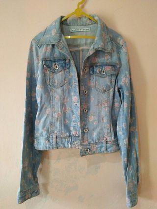 Jaket Jeans stradivarius crop bunga #IWD2020