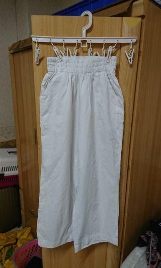 正韓 ITS MO 穿起來很清涼舒服的簡約純白色亞麻質料寬版八分褲