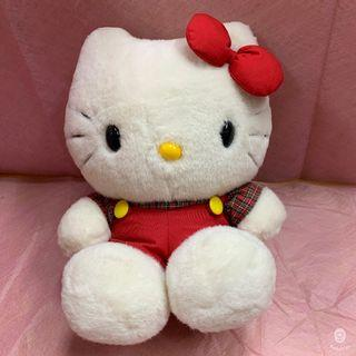 【Hello Kitty】紅色吊帶褲KITTY絨毛娃娃