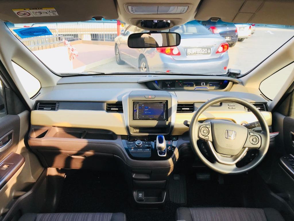 Honda Freed Hybrid [2019 unit] - Silver/Black/Blue