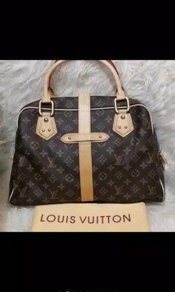 Tas Louis Vuitton Authentic bahan full kulit asli ads no seri fullset mulus dan Like New