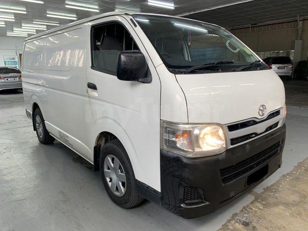 2011 Toyota HIACE 2.5 PANEL VAN (M) B / L Loan Kedai DP 3-5 K