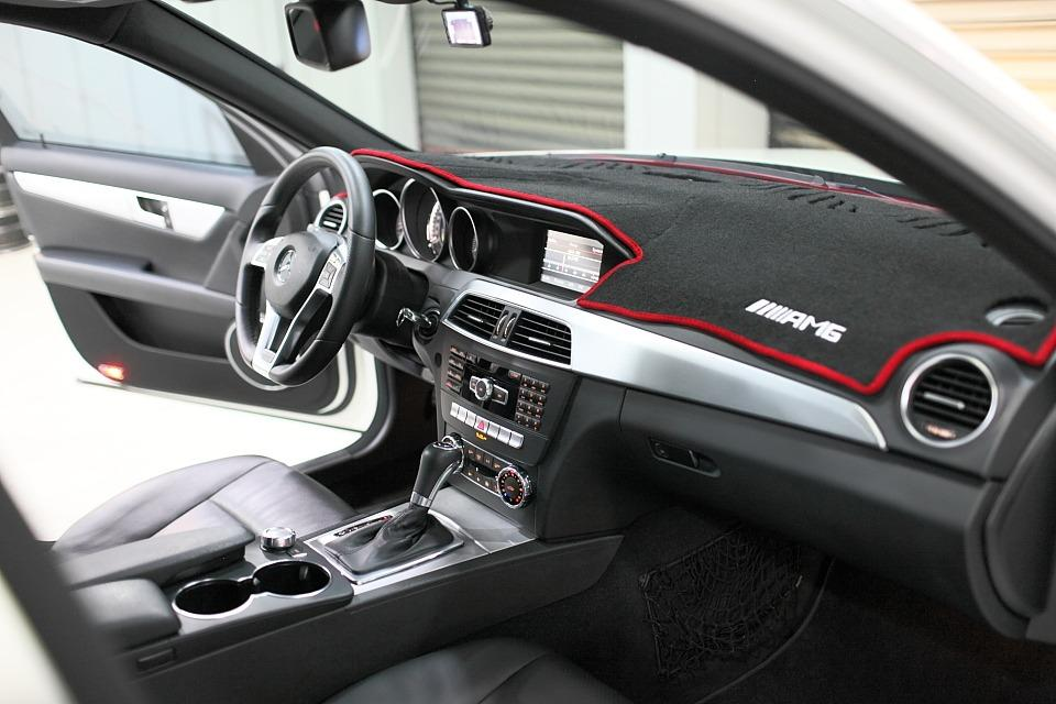 年終下殺最低價2012年式 w204 c250 amg 豪華轎車~僅繳1.8內稅金~省油省稅把妹神車!! f10 f30