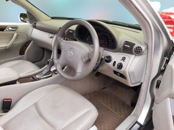 MERCY W203 C-240 AT Elegance 2003 Silver, Sunroof dp 37,9 Jt
