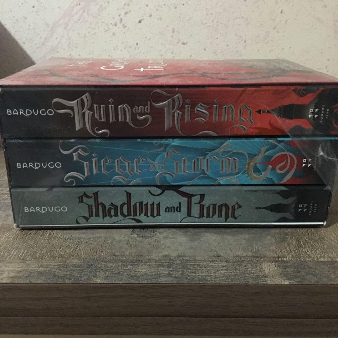 TP/Trilogy Set• Hunger Games • Suzanne Collins • Divergent • Veronica Roth • Grisha • Leigh Bardugo