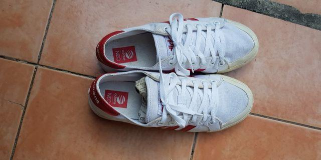 Motel cinghia Grattacielo  for adidas label | Sneakers | Carousell Philippines