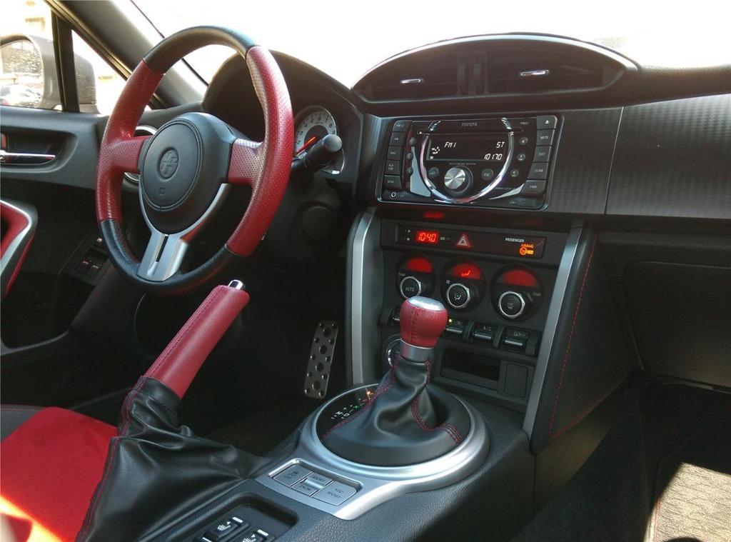 2012年 GT 86 珍珠白「全額貸、銀行小白、條件包裝專案」只到月底要快!